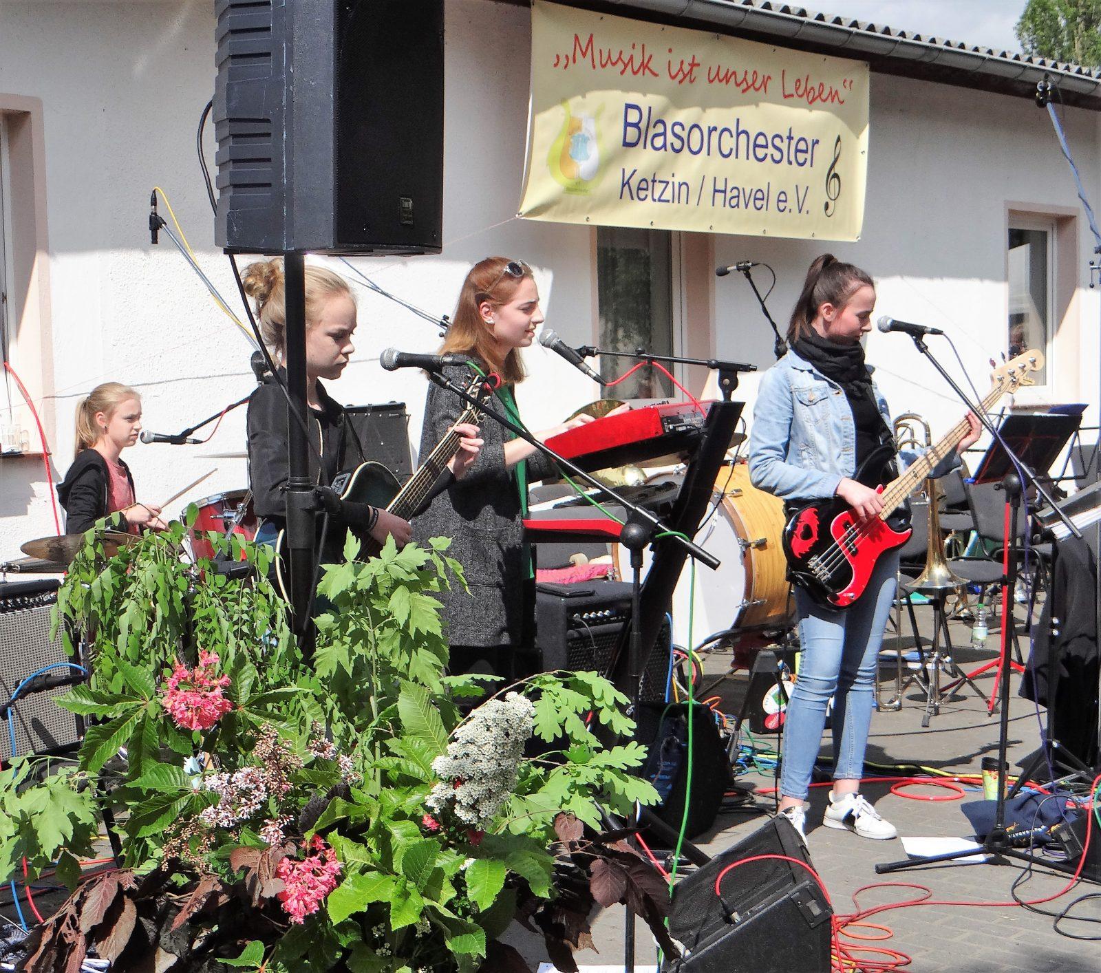 Himmelfahrt 2017 - Die Band ETEA zeigt ihr Können